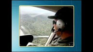 Mata densa dificulta buscas por avião em Jacareacanga - No interior de São Paulo, amigos e familiares do piloto Luiz Feltrin aguardam por novidades sobre a aeronave que desapareceu na terça-feira (18) com uma equipe da FUNAI. A maioria dos passageiros mora em Santarém.