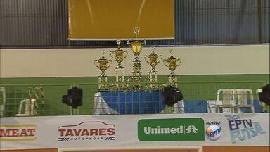 Começa neste sábado (22) trigésima edição da Taça EPTV de Futsal - Santa Cruz da Esperança (SP) vai ter logo o clássico regional contra a cidade de Cajuru (SP). A entrada no ginásio é gratuita.