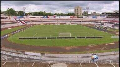 Saiba mais sobre venda de ingressos do jogo do Botafogo-SP e São Paulo - Interessados em adquirir bilhetes deverão comparecer nos pontos de vendas localizados na bilheteria do Santa Cruz entre 9h e 18h, inclusive no dia do jogo.