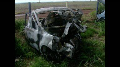 Acidente deixa cinco mortos no Norte do Estado - O acidente foi na manhã desta sábado em Campo Mourão.