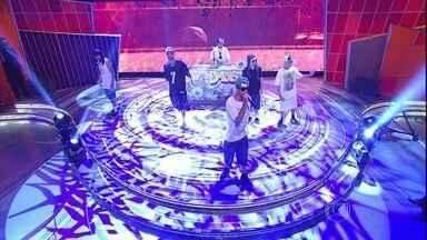 Banda Cone Crew Diretoria agita o Caldeirão com o sucesso 'Chama os Mulekes' - Rappers tiraram a plateia do chão com música e clipe que viraram febre na internet