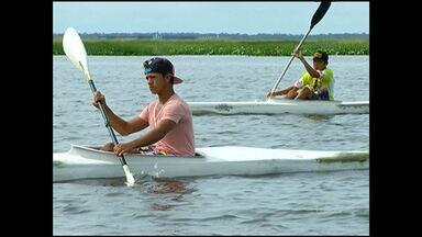 Atletas se preparam para a copa santarena de canoagem - A competição começa neste domingo (23)