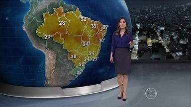 Massa de ar frio que derrubou temperaturas no Sul vai chegar em outros estados - O domingo (23) começa mais frio em Campo Grande, São Paulo e em Porto Alegre, com apenas 8ºC. Não deve chover em grande parte do Nordeste. Na segunda-feira, o Rio de Janeiro pode ficar nublado.