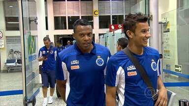 Jogadores do Cruzeiro desembarcam em BH, com sensação de missão cumprida após vencer o Boa - Os jogadores do Cruzeiram deram um importante passo em busca da classificação para a final do Mineiro.