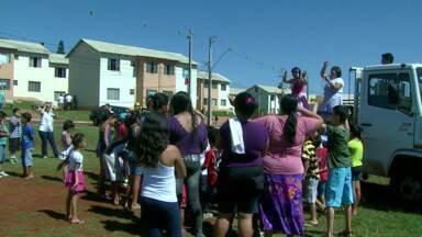 Guardas Municipais organizam festa de aniversário para crianças - Para muitas crianças essa será a única festa