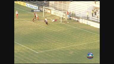 Central vence Salgueiro e continua vivo no estadual - Placar em Caruaru fica em 1 a 0