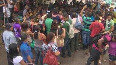 Houve tumulto e confusão na SEMDESTUR durante o atendimento de famílias desabrigadas - As famílias estavam em busca de cadastramento.