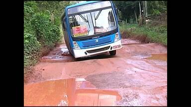 Buracos no ramal do Irurama ameaçam passagem de ônibus - Semap diz que serviço no local foi paralisado devido as chuvas.