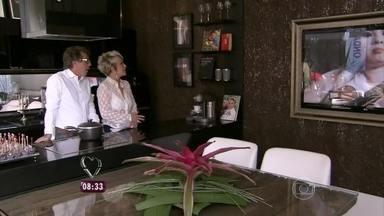 Ana Maria Braga visita mostra de decoração no Rio - Jairo de Sender faz uma surpresa para a apresentadora