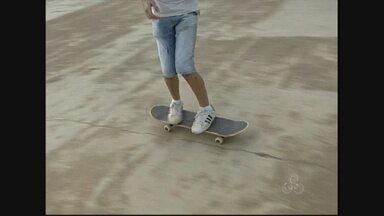 O skate conquista grande número de seguidores em Ariquemes - Os novos frequentadores da pista reclamam da situação do local.