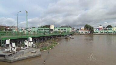 Porto de Parintins, no AM, é parcialmente interditado - Problema é um rompimento da corrente que segura a ponte flutuante.
