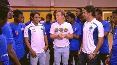 Talentos do futebol haitiano são descobertos pelo 'Peneira Internacional' - Surpresa no fim do episódio acabou levando cinco jovens jogadores para fazerem parte daequipe de base do Cruzeiro