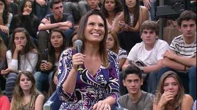 Laura Muller tira as dúvidas da plateia sobre sexo - Sexóloga revela que sêmen não faz os dentes ficarem mais brancos