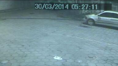Imagens mostram travesti correndo após morte de policial no ES - 'Estou tranquilésima', diz Jhon Wener Ríco que negou o crime.Policial rodoviário federal foi morto a tiros dentro de um carro em Vitória