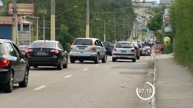 Concurso da Caixa gera congestionamento na região do Urbanova - Concurso gerou congestionamento na região do Urbanova, em São José dos Campos.