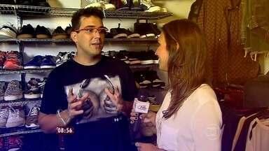 André Marques mostra os detalhes da decoração de sua casa - A repórter Talitha Morete confere o novo guarda-roupa do apresentador