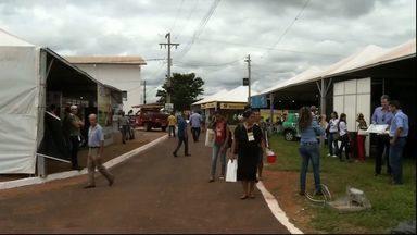 Produtores rurais se reúnem em feira voltada para a agricultura familiar - Cerca de 3 mil agricultores de 25 cidades de MS participaram do evento que foi criado para preservar a semente crioula