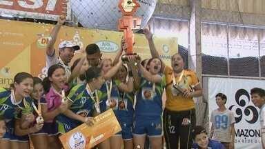 Feminino: eficiente, Atl. Manauara bate Nilton Lins e fica com título - Gol do título no feminino foi marcado pela atacante Thais, camisa 19. Nilton Lins, que já havia conquistado o 'caneco' parou na forte marcação do Manauara.