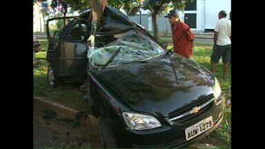 Região de Londrina registra acidentes graves nesta manhã - As estatísticas mostram que com o trânsito complicado os motoristas precisam ter mais cuidado na direção.