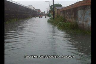 Moradores da Cidade Nova 8, em Ananindeua, enfrentaram alagamento devido à forte chuva - As WE 39 e WE 40 foram as mais afetadas.