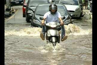 Nível da maré sobe e águas invadem área urbana de cidades no Pará - Em Castanhal, tábua de marés apontou que nível alcançou 4,9 metros às 9h30 desta quarta (2).