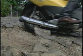 Moradores reclamam de falta de manutenção das ruas em Santa Maria, RS - Os motoristas também acabam prejudicados por causa das más condições das ruas.