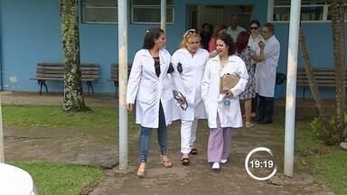 Médicos estrangeiros começam a atender em São José dos Campos nesta quarta (2) - Três médicos estrangeiros e dois brasileiros atenderão quatro regiões. Profissionais integram programa Mais Médicos, do governo federal.