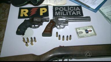 JPB2JP: Mulher atira em policiais durante abordagem no Brejo da Paraíba - Ela foi detida com mais 3 homens.
