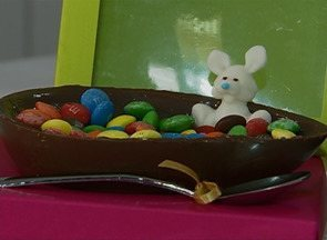 Ovos de chocolate caseiros são saída para economizar na Páscoa - Compras de materiais para fabricação iniciaram em dezembro de 2013.