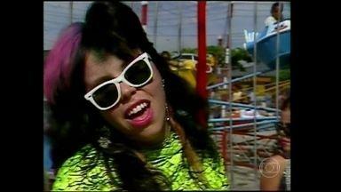 Reveja Baby do Brasil e Pepeu Gomes em especial de 1984 - Dupla usava cabelos coloridos na década de 80