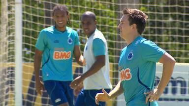 Dagoberto pode ser a novidade contra o Real Garcilaso, no Mineirão - Jogador treinou normalmente e pode entrar em campo contra o time peruano