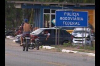 Motociclistas não cumprem regras do trânsito em Queimadas - Os motociclistas sem capacete se multiplicam no interior da Paraíba.