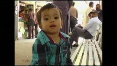 Bebê acusado de homicídio no Paquistão é inocentado pela Justiça - No Paquistão, um bebê de apenas nove meses está livre de acusações de assassinato. A Justiça decidiu que não vai mais processar o bebê. O caso revelou os problemas do sistema judiciário do país.