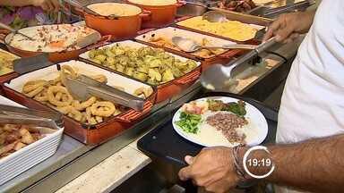 Preço do almoço fora de casa teve leve redução em São José dos Campos, SP - Custo da refeição na cidade ainda está acima da média da região sudeste.