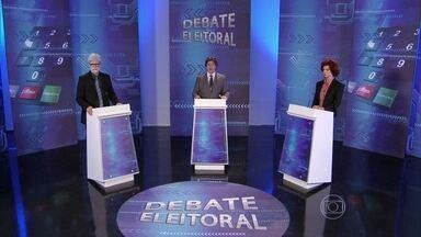 Debate eleitoral #1: ofensas - Mãe ruiva do rolezinho X Papai Noel de Araruama