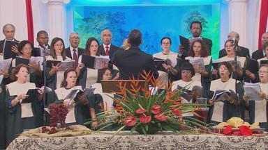 Evangélicos da Igreja Batista participam de culto no Recife - Eles celebraram os 91 anos da Igreja da Capunga.