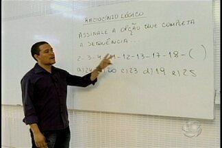 """No quadro """"Alô Concurseiro"""" a dica de hoje é sobre raciocínio lógico - Quem fala sobre o assunto é o professor Arnaldo Cezar."""