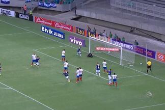 Bahia perde para o Cruzeiro na estreia do Brasileirão - O tricolor até que jogou bem, mas em dois vacilos da zaga tomou dois gols.
