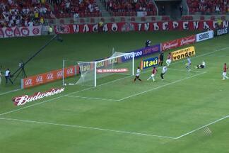 Vitória joga mal e é derrotado pela Internacional-RS na estreia do Brasileirão - O rubro-negro se concentra agora na Copa do Brasil, pela qual enfrenta o J. Malucelli nesta quinta.