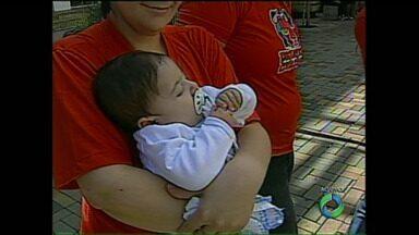 Bebês prematuros e cardíacos ficam sem vacina prometida pelo Governo do estado - Cada dose da vacina custa quase R$ 6 mil e os bebês precisam de pelo menos cinco doses que já foram garantidas pelo Ministério da Saúde mas ainda não são aplicadas pelo SUS no Paraná.