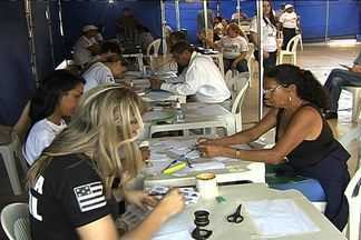 Casal aproveita mais uma edição do Ação Global para acelerar procedimento jurídico - Evento é uma parceria da Rede Globo com o Sesi e acontece durante todo dia em Aparecida de Goiânia.