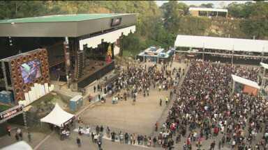 """Pedreira Paulo Leminski é palco de várias atrações musicais - É o festival """"Estação Pedreira"""" que traz mais de 20 atrações à Curitiba."""