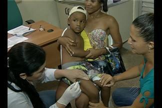 """Procura por vacinação contra a gripe foi grande no """"Dia D"""" - Confira na reportagem."""