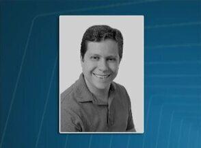 Vereador de Pesqueira, no Agreste, morre em acidente no dia do aniversário - Segundo a PM, Augusto Simões (PTB) completou 34 anos neste sábado. Após tentar fazer uma ultrapassagem, o veículo dele bateu em um caminhão.