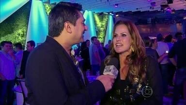 Zeca Camargo mostra o que rolou na festa de lançamento do novo Fantástico - Apresentador encontra time de estrelas que já passou pelo programa