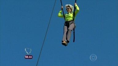 Aventura! Ana Maria sobe na bola e testa novidade - 'Que sensação maravilhosa', diz a apresentadora