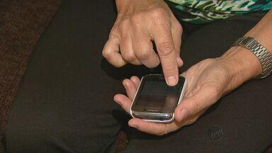 Moradores reclamam do sinal instável de duas operadoras de celular em São Carlos, SP - Moradores reclamam do sinal instável de duas operadoras de celular em São Carlos, SP.