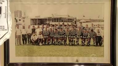Entrerriense Futebol Clube inaugura sala de troféus - Espaço é pequeno, mas cabe um grande e antigo sonho dos apaixonados pelo clube de Três Rios (RJ).