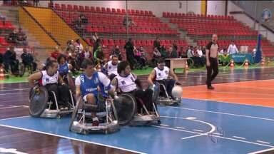 Rugby para cadeirantes é atração em Curitiba - A Copa América de Rugby mostra toda a rivalidade entre as equipes
