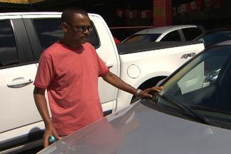 Carros novos têm pouca 'saída' nas revendedoras de Salvador - Muita gente tem preferido comprar carros seminovos por conta dos preços.
